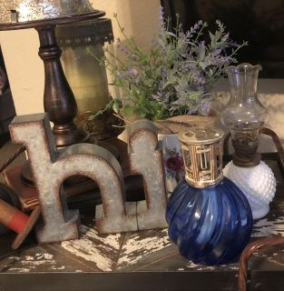 Mini blue fragrance lamp by Scentier