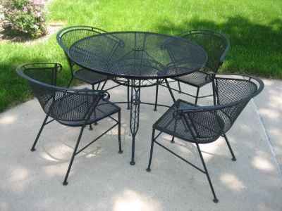 Black Wrought Iron Patio Table and 4 Chairs