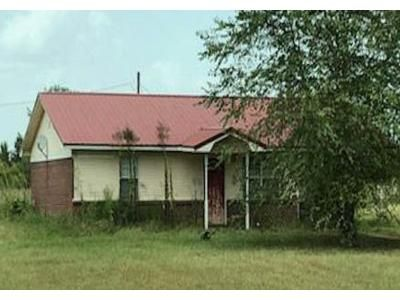 2 Bed 1 Bath Foreclosure Property in Houlka, MS 38850 - Redland Sarepta Rd