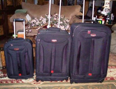 Set Of 3 Matching Black Concourse Suitcases On Wheels