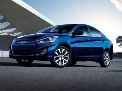 2016 Hyundai Accent SE (Century White)