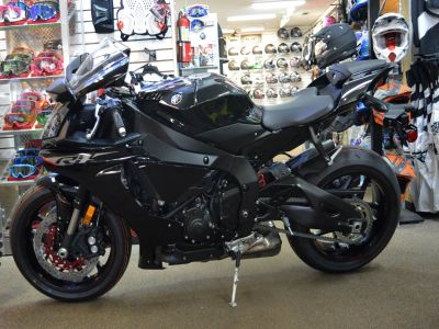 2018 Yamaha YZF-R1 SuperSport Motorcycles Clearwater, FL