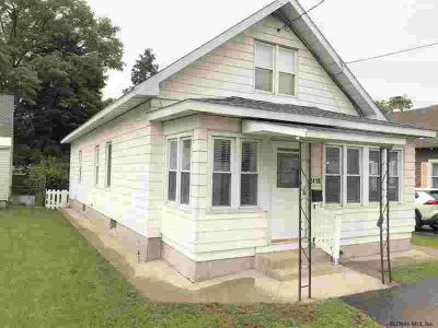 2418 Hamburg St Schenectady Three BR, You?re going to love this