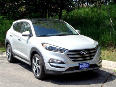 2017 Hyundai Tucson Limited (Chromium Silver)