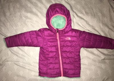 North Face infant girls reversible insulated fuzzy winter coat size 12-18 months.