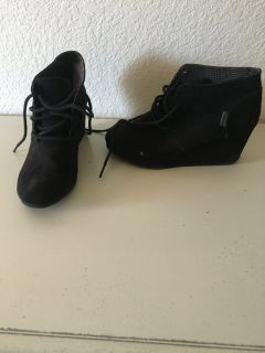 Black booties sz 6