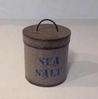 DECORATIVE SEA SALT CONTAINER WITH REMOVEABLE LID