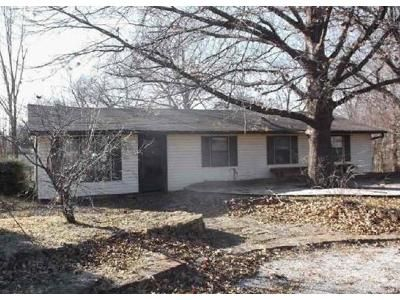 4 Bed 2 Bath Foreclosure Property in Cleveland, OK 74020 - S 5th Ave
