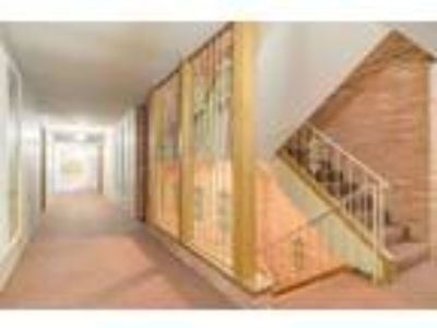 4401 Valley View - One BR