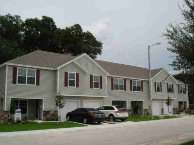 203 Woodknoll Place VALRICO, THIS BEAUTIFUL TOWNHOME MODEL