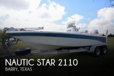 2007 Nautic Star 2110