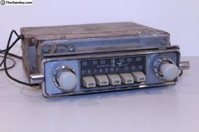 Gray Knob Sapphire II AM FM Bus Bug Ghia Radio