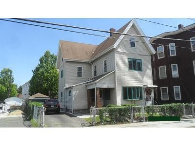 6 Bed 2 Bath Foreclosure Property in Everett, MA 02149 - School St