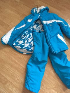 Two peas winter jacket with snow pants a second line jacket inside