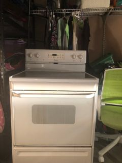 Electric self cleaning Frigidaire stove