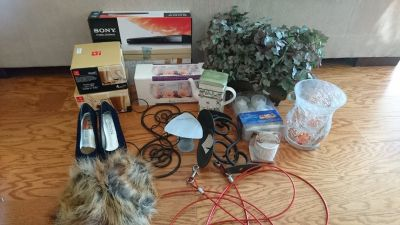 Variety of household items