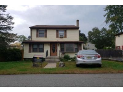 3 Bed 1.5 Bath Preforeclosure Property in Haskell, NJ 07420 - Evergreen Ave