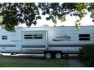 2005 Forest River Wildwood Travel Trailer in La Mesa, CA