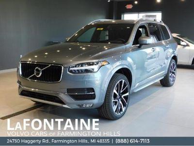 2018 Volvo XC90 T6 Momentum (Osmium Gray Metallic)