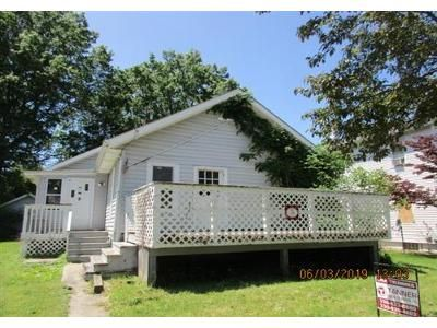2 Bed 1 Bath Foreclosure Property in Ravenna, OH 44266 - Myrtle St