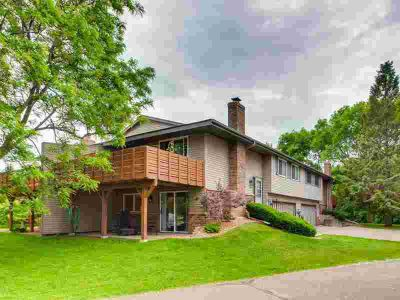 4145 Sylvia Court SHOREVIEW Three BR, Gorgeous end unit townhome