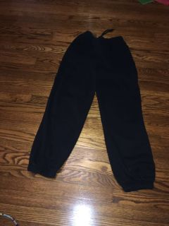 Joe Boxer black sweat pants size s/c. Inseam 30 inches and waist 25 inches without stretching the elastic. Gallatin unless going to H vil