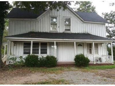 4 Bed 2.5 Bath Foreclosure Property in Converse, SC 29329 - Square St