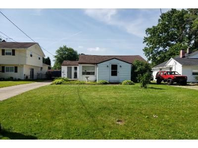 3 Bed 1 Bath Preforeclosure Property in Mentor, OH 44060 - Andover Dr