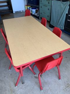 Sturdy craft table/6 chairs