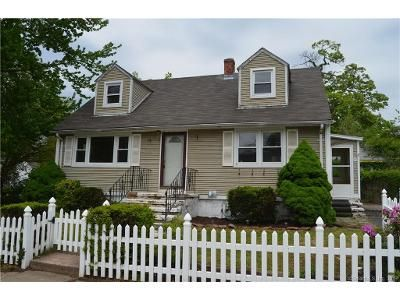 3 Bed 1.5 Bath Foreclosure Property in East Haven, CT 06512 - Pope St