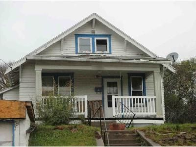 2 Bed 1 Bath Foreclosure Property in Sioux City, IA 51104 - 24th St