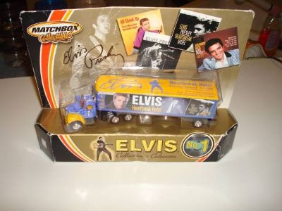 New 2002 Matchbox ELVIS Semi Truck HEARTBREAK HOTEL 1956 Mack Tractor
