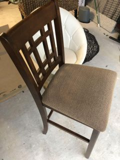 4 bar height barstools with free optional table