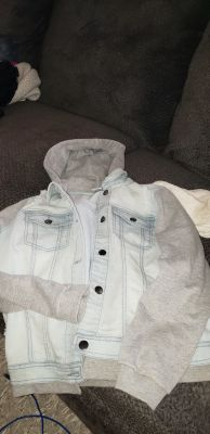 Xl jean jacket with sweatshirt sleeves and hood wore one time