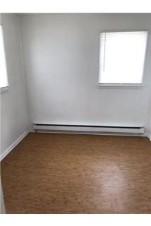 This is a 2 bedroom Shared laundry on site. $500/mo