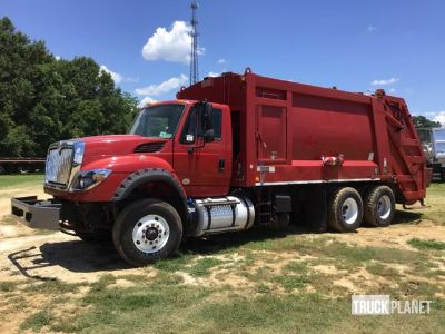 2016 International 7600 Waste Collection Truck