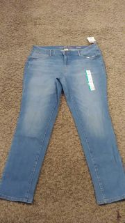Brand New with tags. Faded Flory Jean size 16