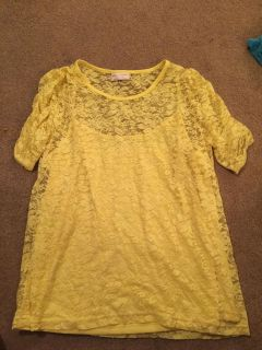 NWOT - Ladies 2X Yellow lace top