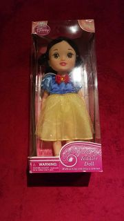 Snow White toddler doll new in box collectors edition asking $15 firm