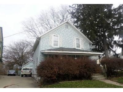 3 Bed 1 Bath Foreclosure Property in Lansing, MI 48906 - W Willow St
