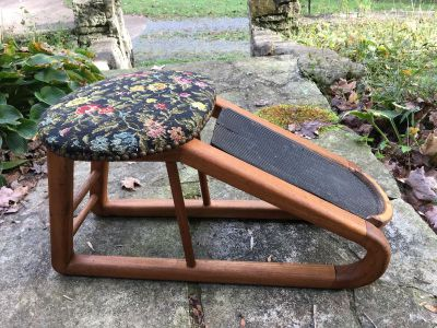Two pictures! Vintage tapestry shoe shine / shoe store stool