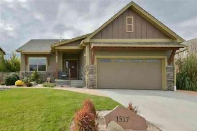 1517 Grant Drive Longmont Three BR, This home will steal your