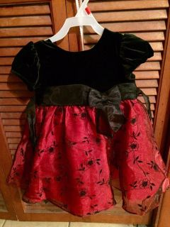 Girls 24 months rare editions brand holiday dress worn twice, $5.00. Located in Bethlehem. Cross posted.
