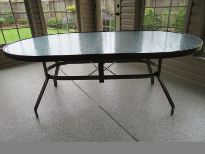 Beautiful Lloyd Flanders Patio Table