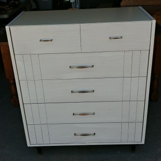 Beautiful Vintage 5 Drawer Chest with Formica Top. Freshly Painted. 36x18x44