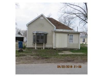 2 Bed 1 Bath Foreclosure Property in Ina, IL 62846 - W First St