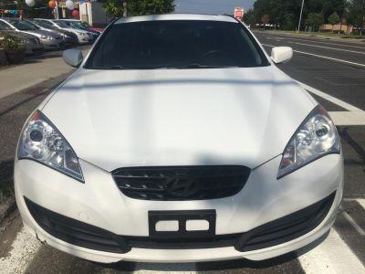 2010 Hyundai Genesis 2.0T Premium (Karussell White)