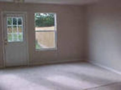Brookshire Three BR Two BA, Nice 3/2.5/2 townhome 7 minutes west of