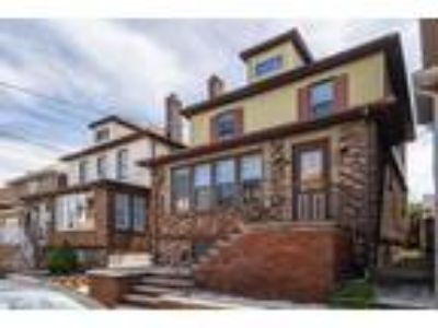 Beautiful Single Family by the Park (North Bergen)