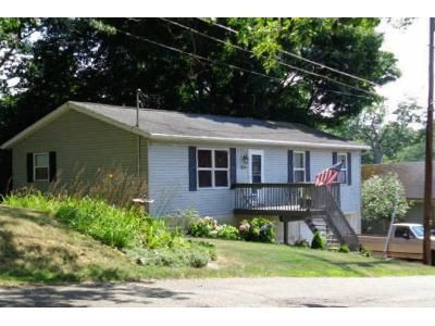 3 Bed 2 Bath Foreclosure Property in Lakemore, OH 44250 - Monroe Street